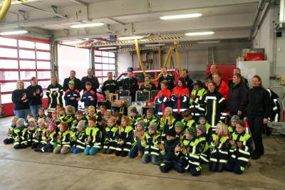 Viele der Kinderfeuerwehren des Landkreises Helmstedt hatten einen spannenden Tag an der Feuerwache in Helmstedt.