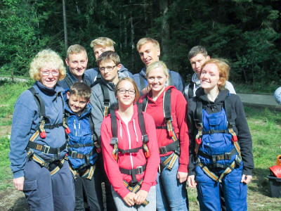 Die Jugendfeuerwehr Cluvenhagen kletterte munter im Landeszeltlager in Wolfshagen. Foto: Buß-Dahl