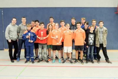 Die Sieger des Hockeyturniers und des Orientierungsmarsches.