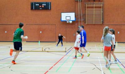 Das Völkerballturnier beim Dahlenburger Sporttag hatte einiges zu bieten. Foto: Bergmann