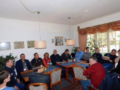 In großer Runde mit polnischer Beteiligung trafen sich die Mitlieder der Kreis-Jugendfeuerwehrleitung des Landkreis Oldenburg zu ihrer Sitzung. Foto: Christian Bahrs