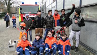 DIe Jugendfeuerwehr Reppner gestaltete gemeinsam mit jungen Geflüchteten einen Übungsdienst.