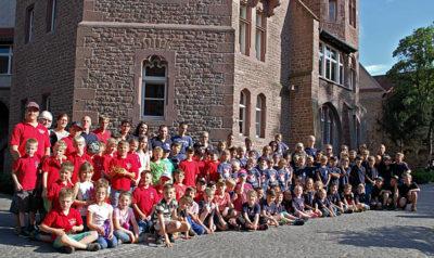 Mitgefahren sind die Kinderfeuerwehren Bevenrode, Harxbüttel, Lamme, Melverode, Rüningen, Thune, Völkenrode und Waggum. Foto: Loos